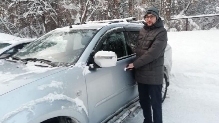 «Открываю капот, а там поршень торчит из двигателя»: автолюбитель — почему нельзя заливать любое масло и где найти качественное