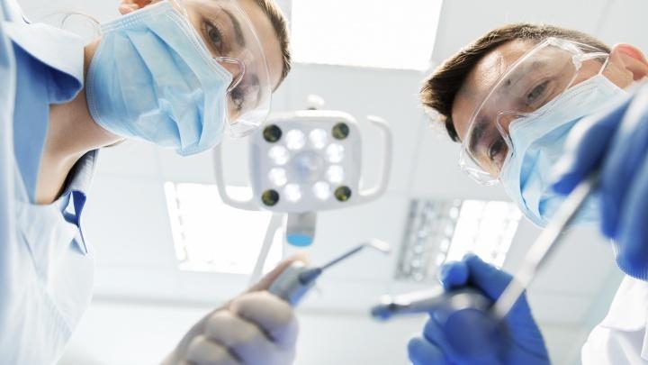 Стерильный наконечник — залог успеха: стоматологи озвучили 3 шага на пути к безопасному лечению