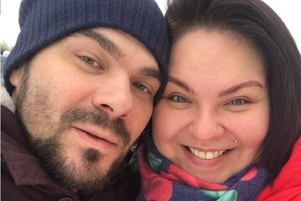 Артём и Настя вместе уже 2,5 года