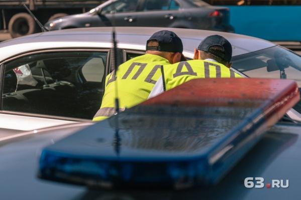 Чтобы выяснить причины аварии, инспекторы опросили всех водителей—участников ДТП