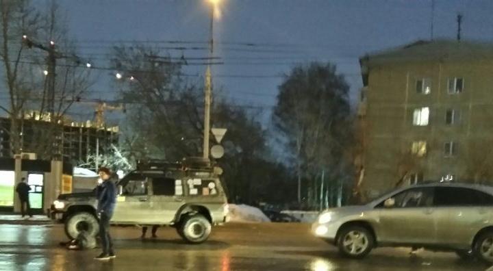 Новосибирец на «Лексусе» сбил пешехода— мужчину увезли в больницу