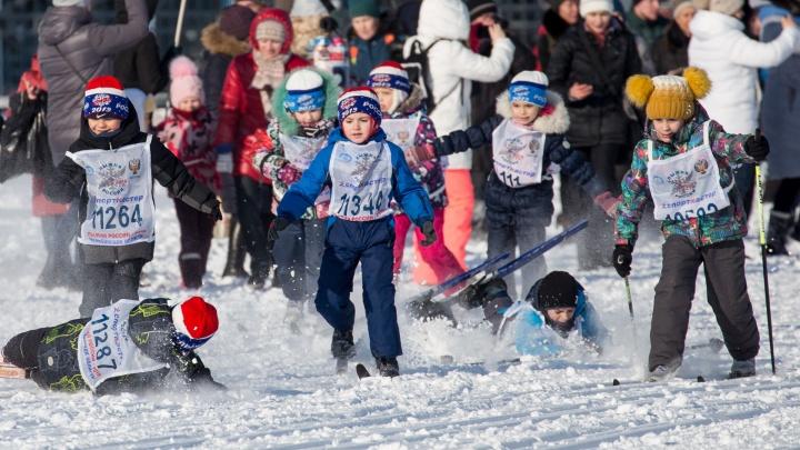 Буря эмоций и урок по стремлению к победе: челябинцы вышли на «Лыжню России»