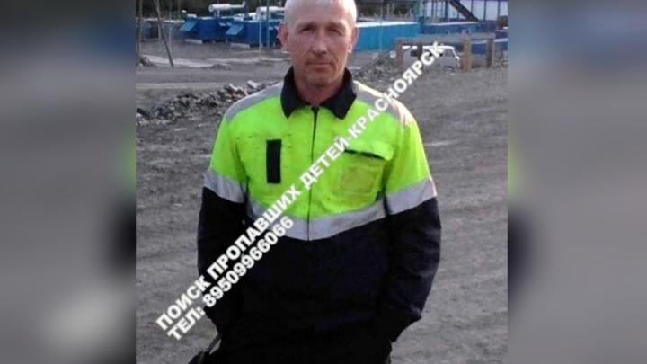 В Красноярске мужчина ушёл из дома в одних трусах и пропал: ищут третьи сутки
