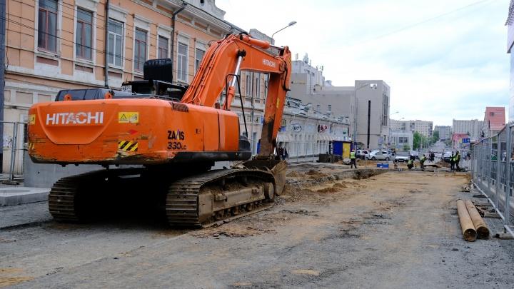 На улице Куйбышева возле ТРК «Колизей» из-за ремонта перекрыли движение транспорта