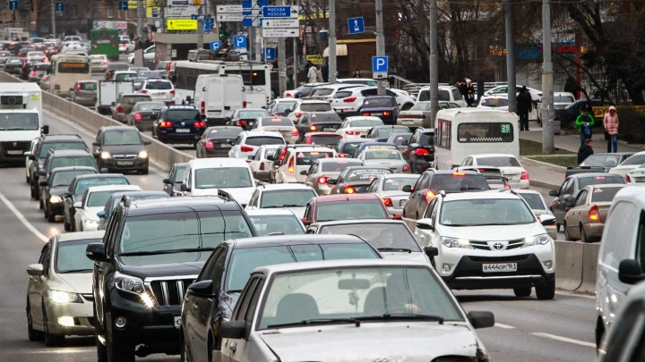 Только среда: Ростов оказался в километровых пробках