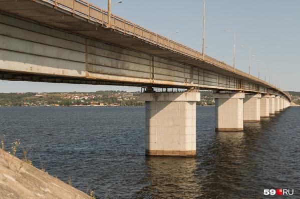 Подрядчика строительства второй очереди моста оштрафовали за неисправное освещение судоходной сигнализации