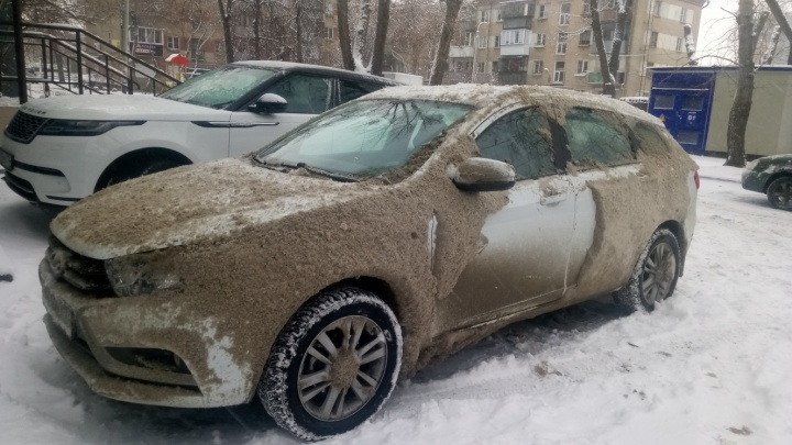 Чиновники отчитались, как чистят челябинские дороги после снегопада