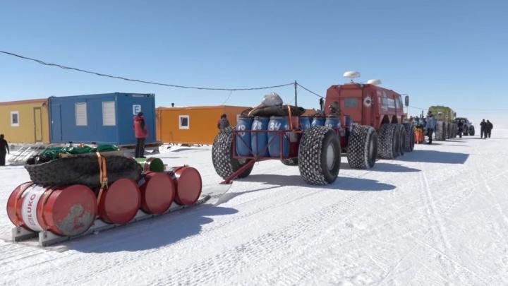 Первый канал выпустил фильм про покорение Антарктиды. В путешествии участвовал екатеринбуржец