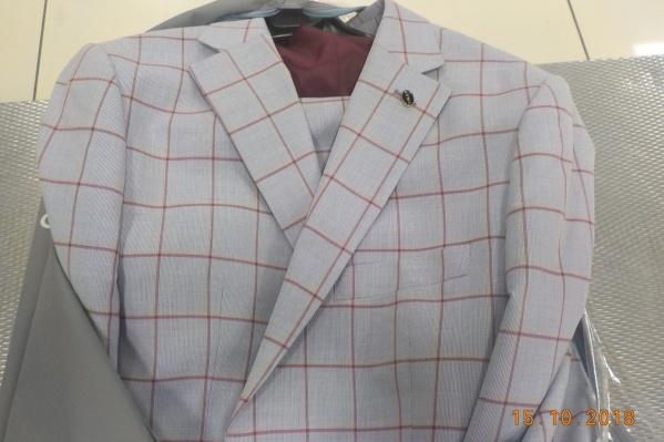 Эти костюмы от предпринимателей из Узбекистана, судя по всему, на Неделю моды так и не попадут