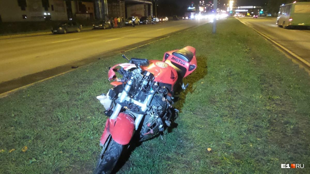 Мотоциклист вылетел с байка