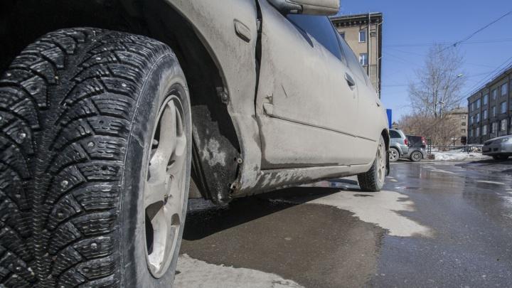 Резиновый хлам: бум на зимние колёса — за лысые покрышки без шипов просят тысячи рублей