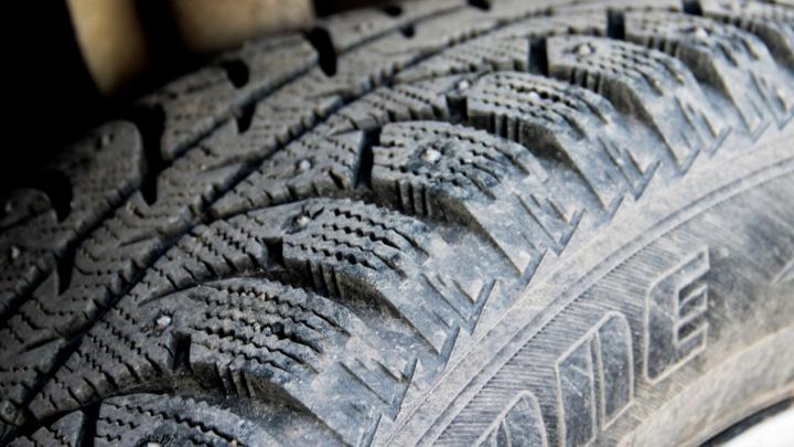 ГИБДД рекомендует пермским водителям сменить летнюю резину на зимнюю