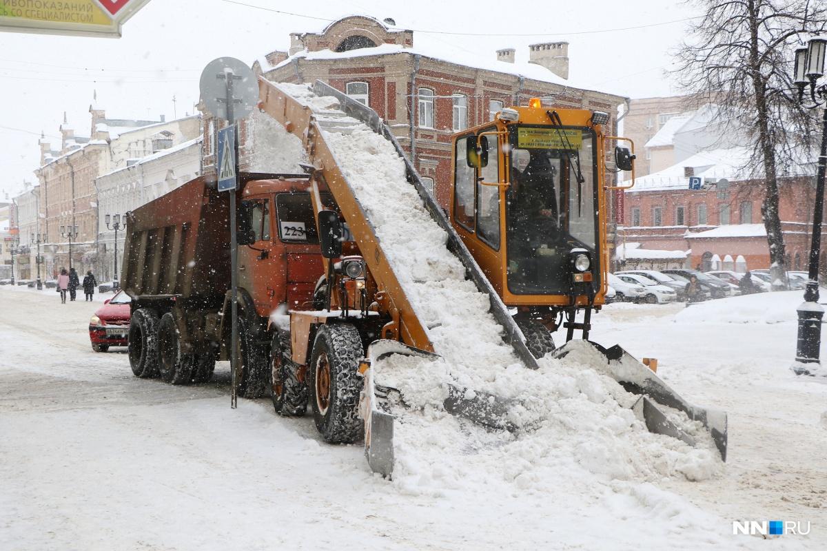 Снегоуборочная техника работает сегодня в усиленном режиме