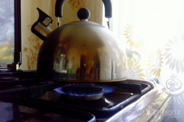 Мужчине дали договор купли-продажи посуды — позже омич смог его расторгнуть (фото из архива)
