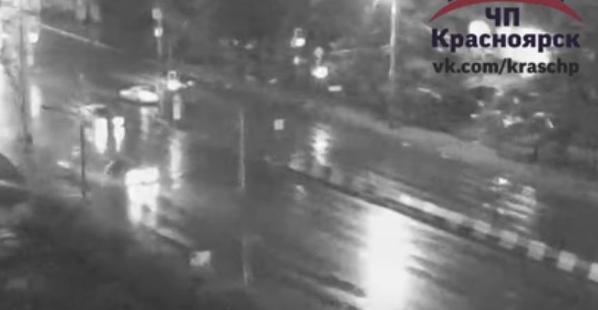 Шофёр иномарки Хонда насмерть сбил женщину-пешехода— Красноярск