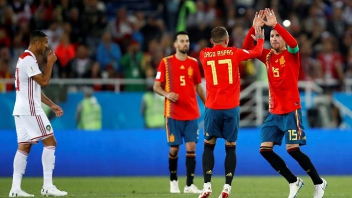 Российские футболисты сыграют в плей-офф со сборной Испании