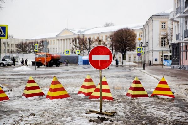 Закрыты для проезда окажутся дороги рядом с Советской площадью
