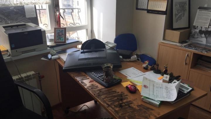 СКР: разгром редакции «Коммерсанта» в Екатеринбурге мог быть связан с работой журналистов