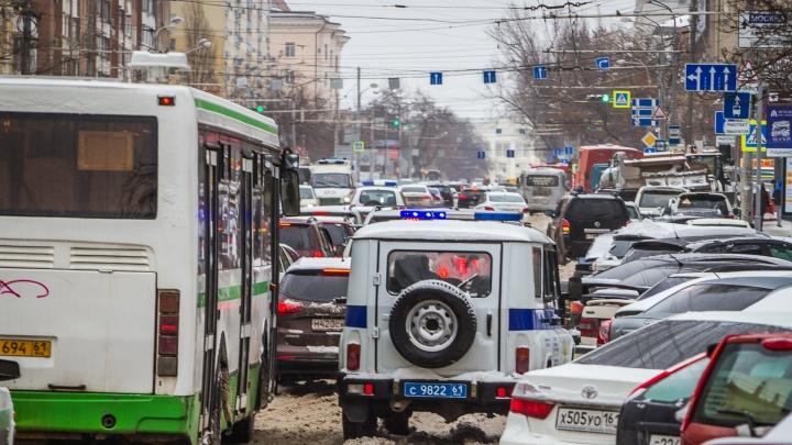 Ростовчане напомнили губернатору Голубеву об обещании построить дорогу на Суворовский