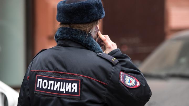 В Ростове у ТЦ «Горизонт» неизвестный напал на покупателя с ножом