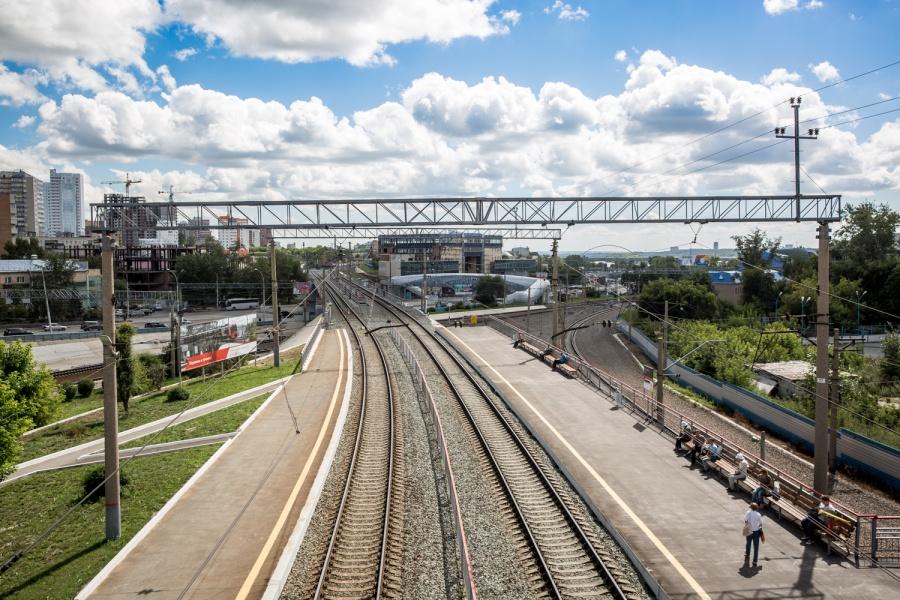 ВКрасноярском крае из-за схода срельсов вагонов задержаны поезда дальнего следования