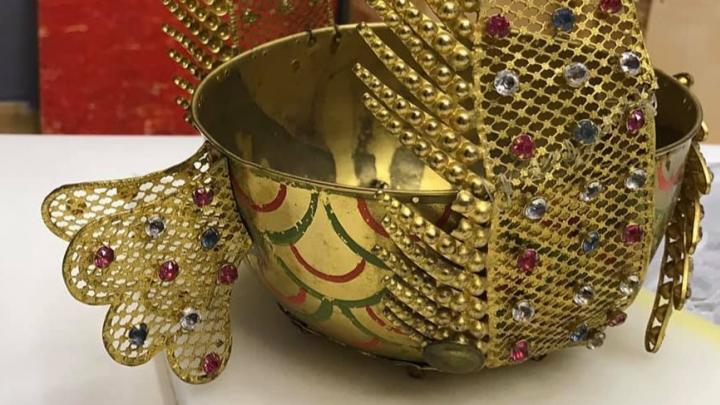 «Машина грома», светильники и шляпы с перьями. В галерею привезли экспонаты из усадьбы «Останкино»