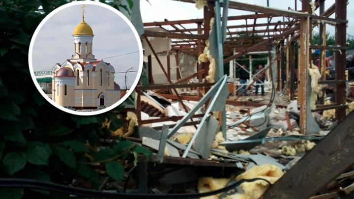 Приставы заставили владельца снести магазин на Ботанике, который три года мешал строительству храма
