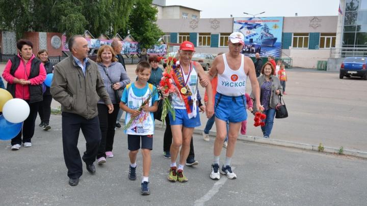 «За победу и спорт»: южноуральский пенсионер потратил меньше 13 часов на 100-километровый марафон