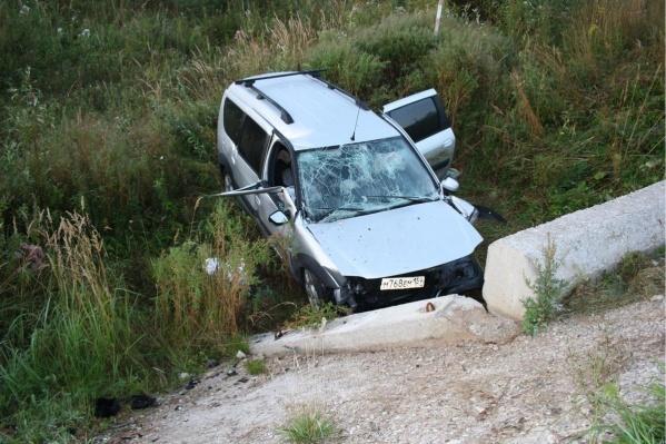Сейчас автоинспекторы устанавливают, все ли были пристегнуты в момент аварии