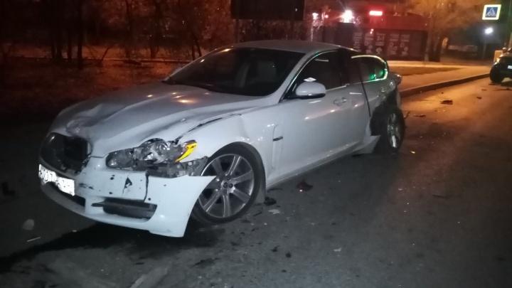 Пять пострадавших и 11 иномарок в хлам: последствия аварии с грузовиком в Волгограде