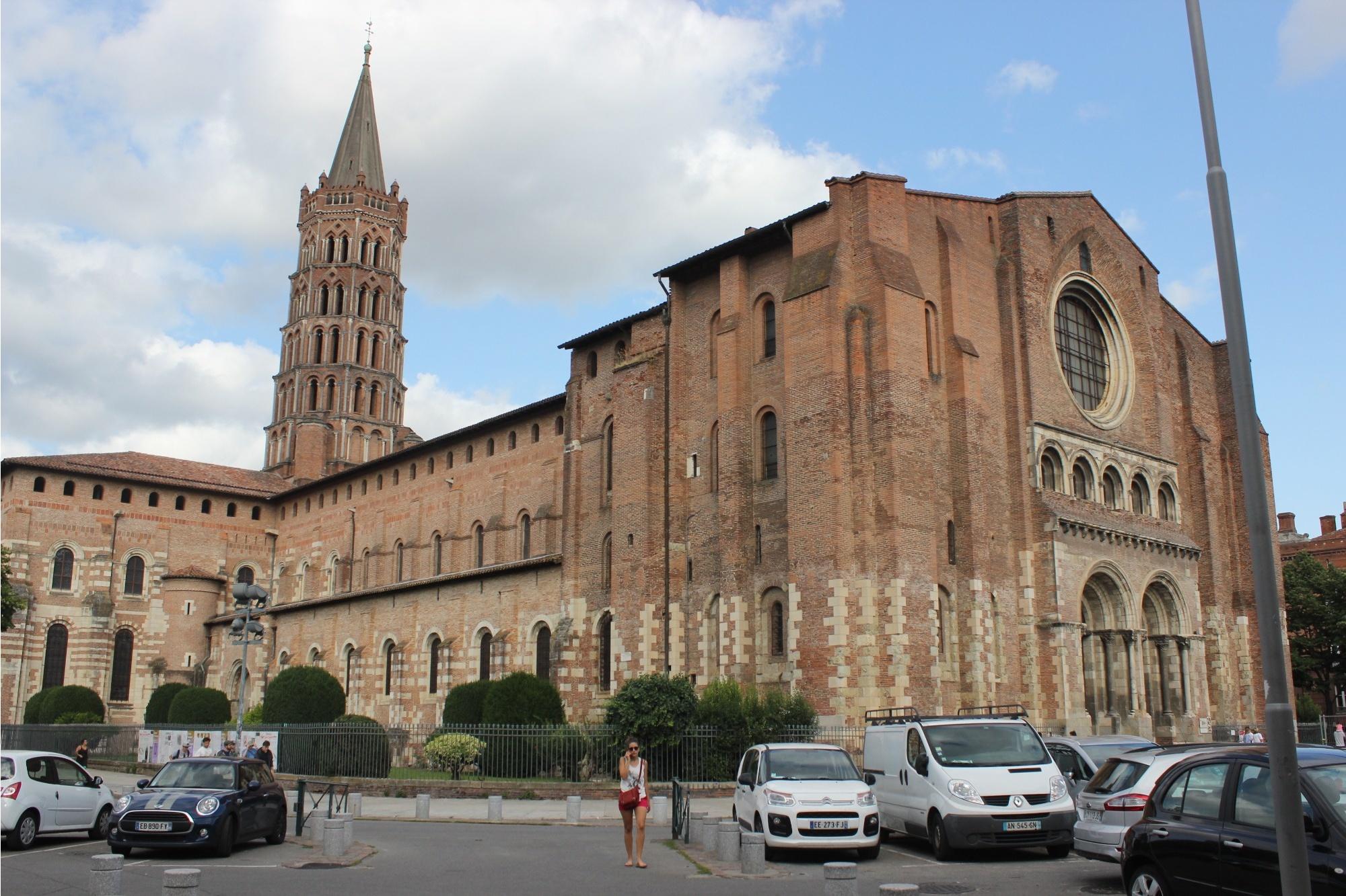 Собор Сен-Сернен в Тулузе (строительство началось ещё в XI веке)