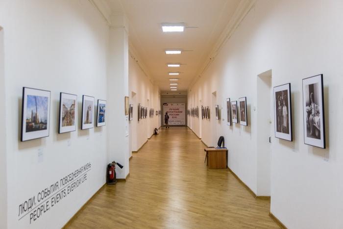 В первые часы после открытия музея залы пустовали