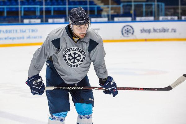 Заболевший раком хоккеист «Сибири» поблагодарил болельщиков за поддержку