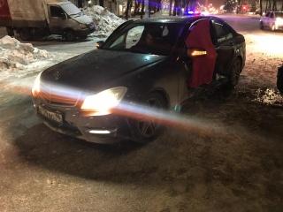 Renault врезался в левый бок Mercedes