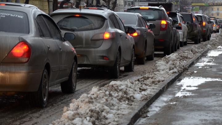 На одном из участков Бердского шоссе ограничили скорость до 20 км/ч