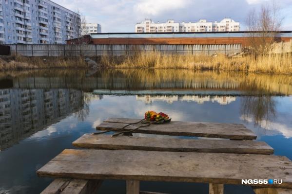 Десять дней назад в этом котловане утонули двое детей<br>
