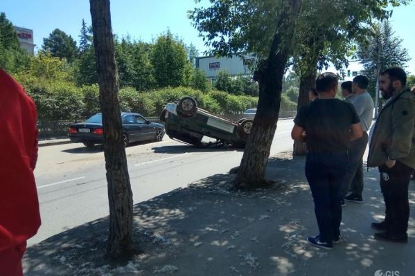 Авария случилась на перекрёстке с улицей Дмитрия Донского