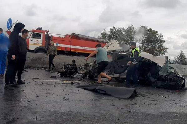 21-летний водитель иномарки во время дождя не справился с управлением и влетел в отбойник