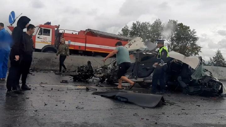 Выходки пьяных автомобилистов, ДТП и погоня тюменца за нарушителем в погонах: дорожные видео недели