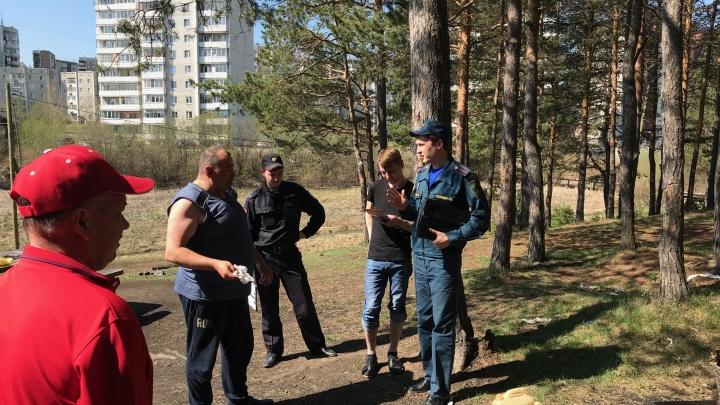 Шашлыки вне закона: сотрудники МЧС вышли патрулировать лесопарки Екатеринбурга в поисках нарушителей