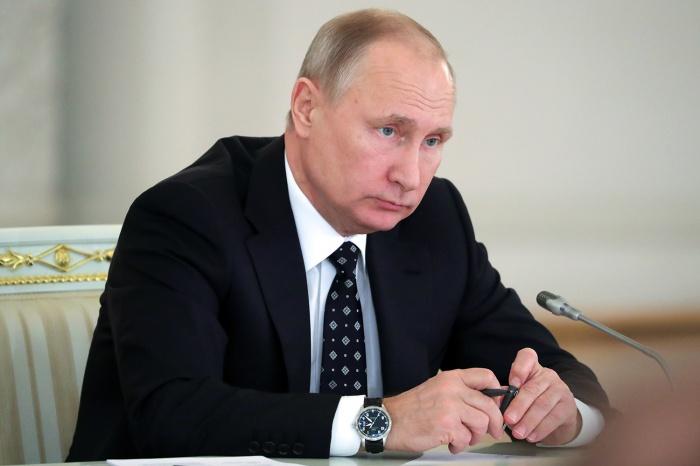 Владимир Путин прилетел в Кузбасс рано утром