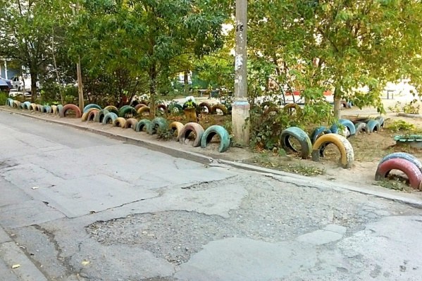 Волжане предложили убрать из дворов все отжившие свой век шины