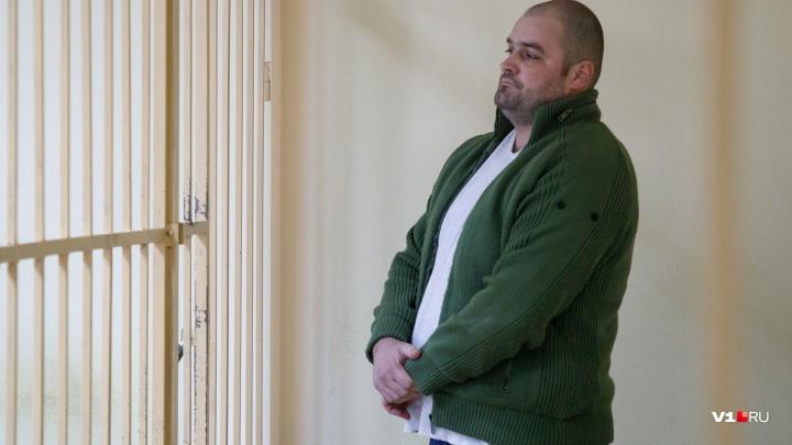 «Я порежу тебе лицо»: убийца волжанина из-за громкой музыки угрожал пистолетом соседям
