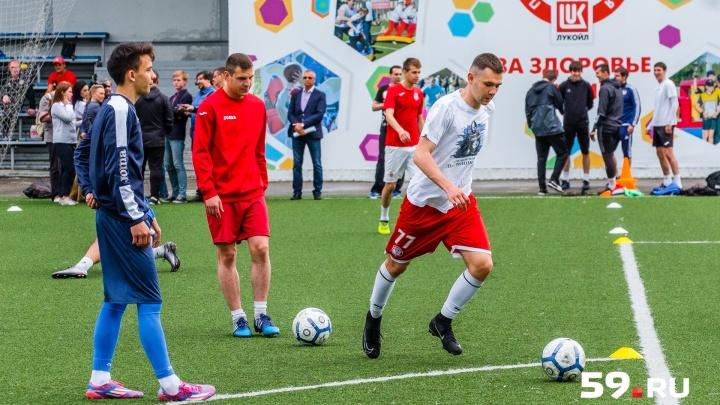 2:1. новый пермский футбольный клуб «Звезда» одержал победу в первой игре