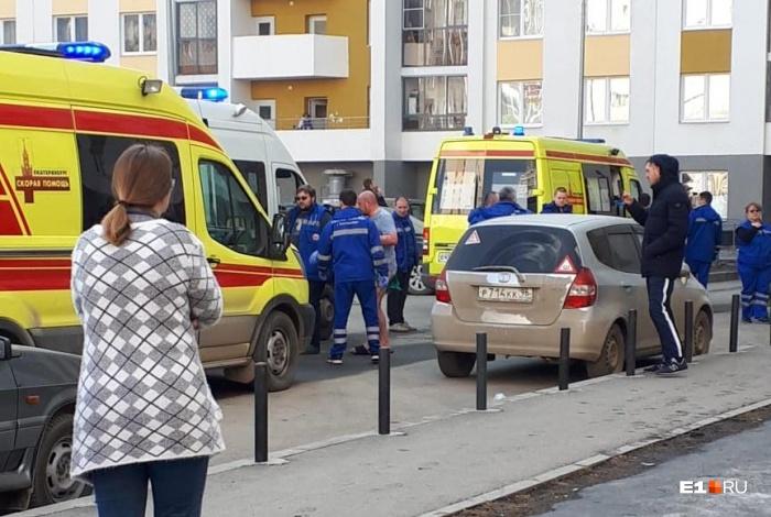 Пострадавших мужа и жену доставили в 40-ю больницу