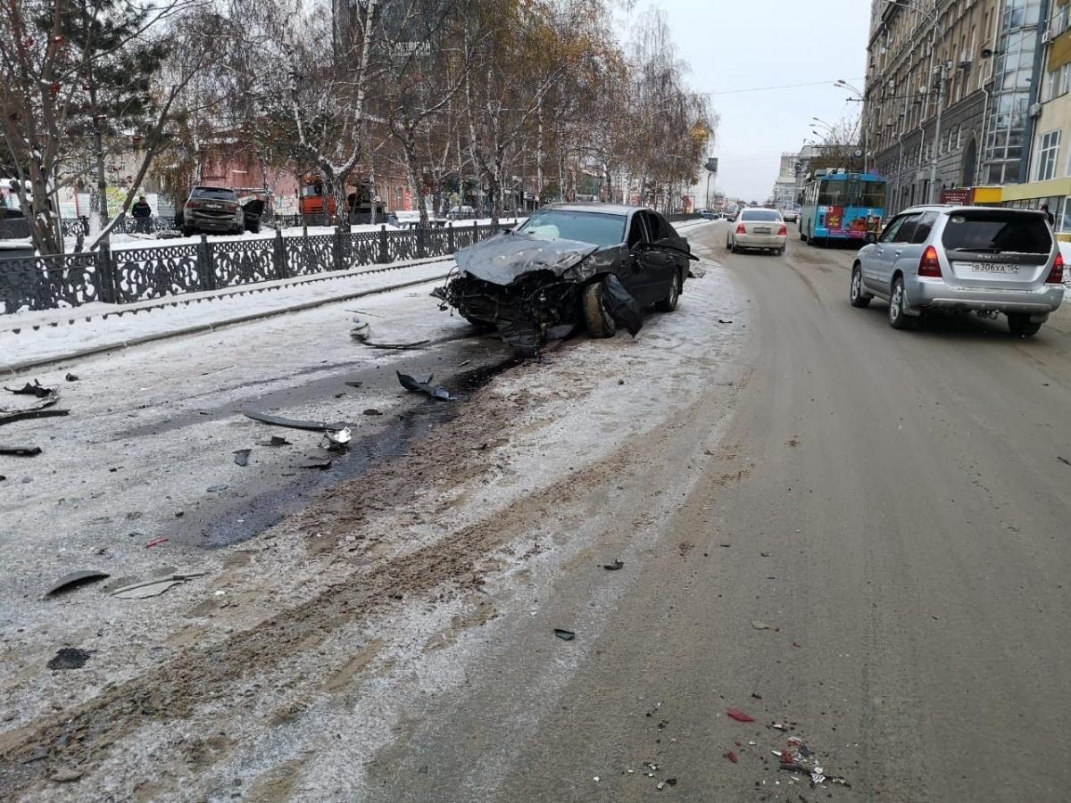От удара водитель «Тойоты» вылетел из машины на дорогу