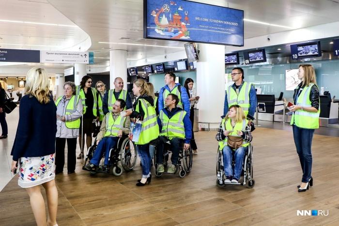 аэропорт «Стригино». Людям на колясках показали  все сервисы, которыми они могут воспользоваться в новом терминале