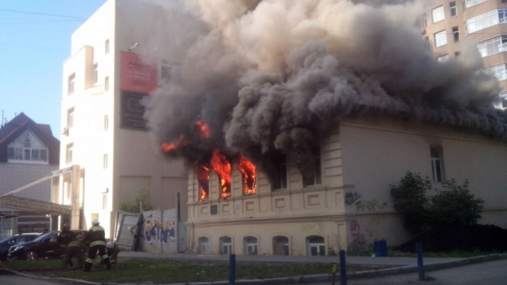 Известный торговец винами отреставрирует сгоревший особняк в «квартале миллионеров»