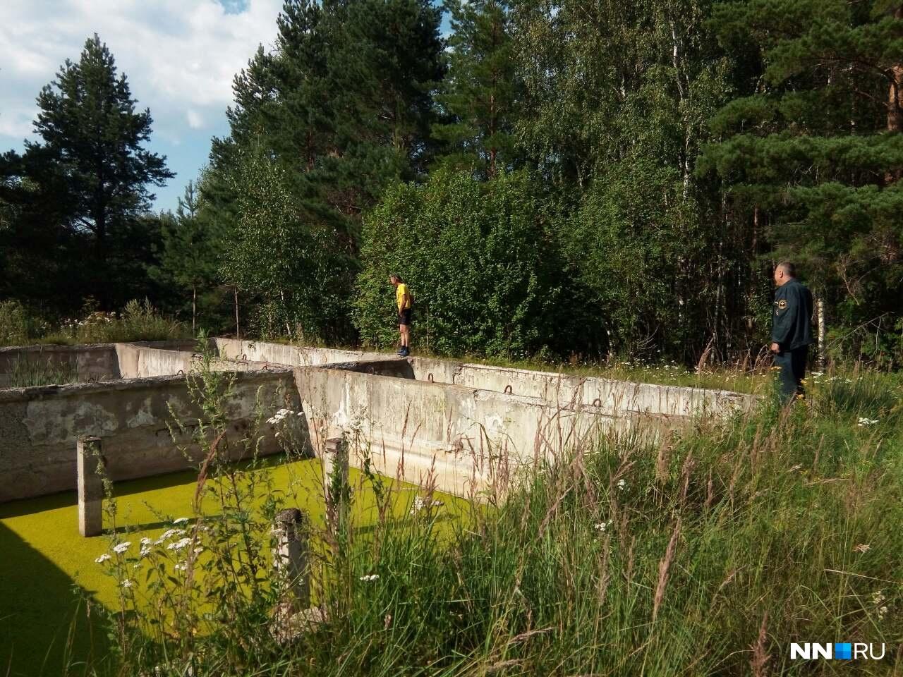 Добровольцы из ПСГ «РЫСЬ» нашли вот такие водоемы с бетонными берегами