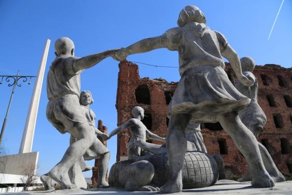 Через историю фонтана «Детский хоровод» англичане проследили за героической историей Волгограда